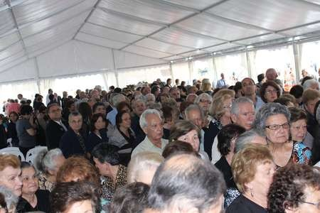 A massive crowd of more than 1,200 people attended the - 09 Saint Harry Nine