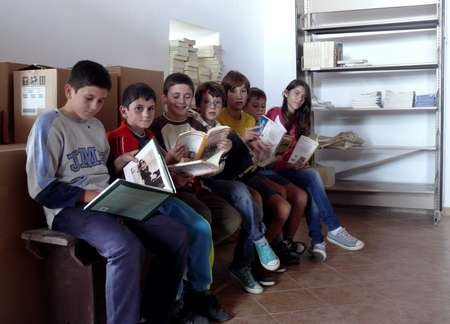 April 2013 Report. The Kythera Library, Kondelianika, Kythera. - Unpacking the books