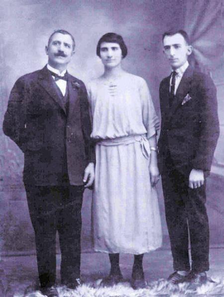 Nick Aroney (Kamari(s)), Irene Katsoolis, and Peter Aroney.
