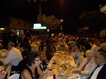 Kytherians, Greek-Australians and Australians mingled together