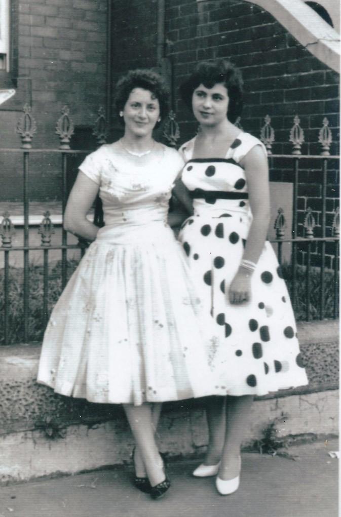 Anna & Liana 1956