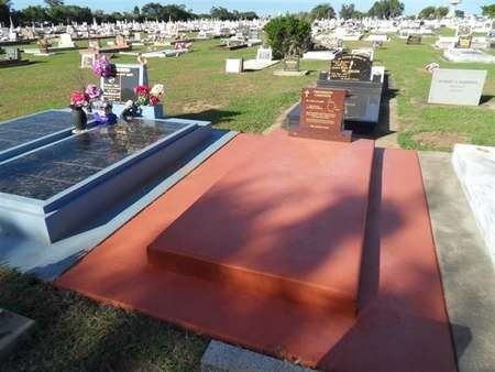 Gravesite of Theo Corones (Theothosi Koroneos), in Bargara, Queensland
