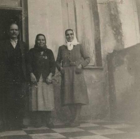 Vrettos & Marigo Alfieris with Stavroula Gouveri in Potamos