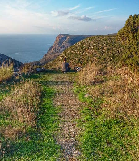 4 Ways to Fall Madly in Love with Kythera - 4 ways 2 A trail in Kythera photo by Abbie Synan