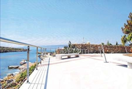 Superbly appointed park and recreation area in Avlemonas