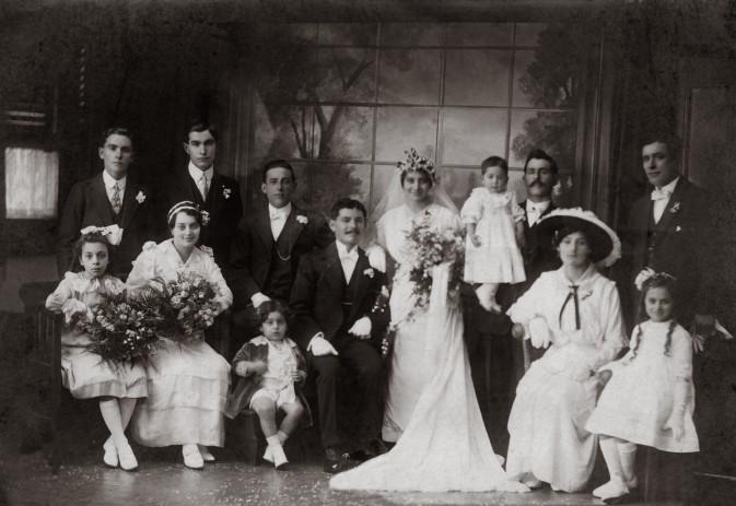 Mystery Wedding Group 1920s?