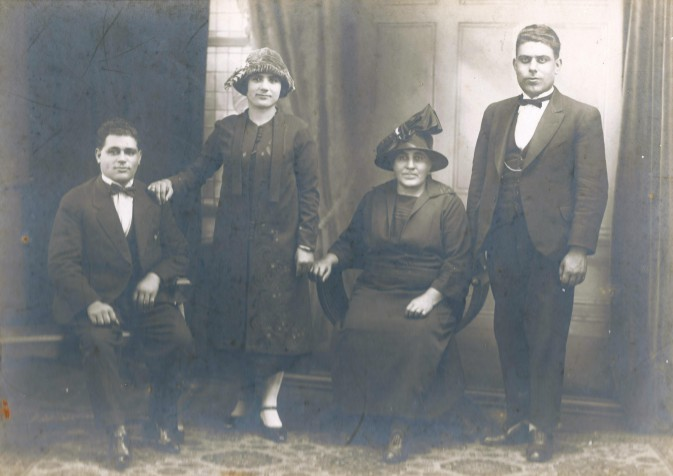 Zantiotis & Moulos family 1920s