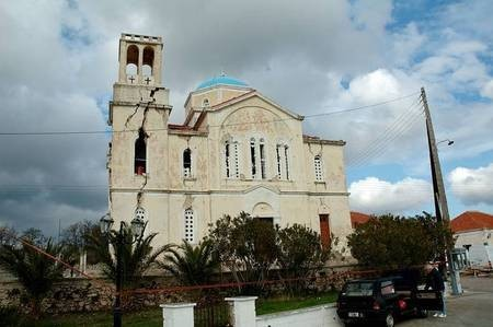 Earthquake of 8.1.2006 – Mitata church, southern facade