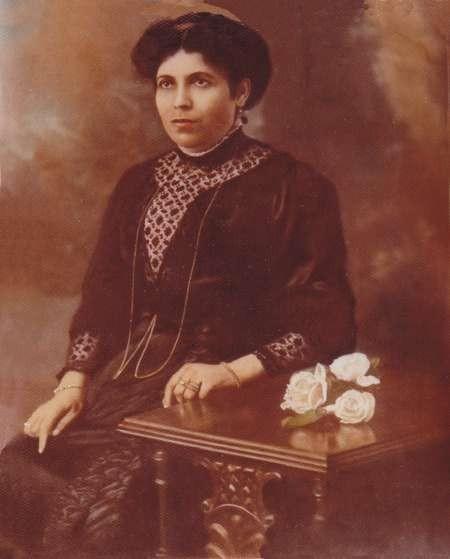 Portrait of my grandmother, Agapi Lianos (nee Comino) c.1900
