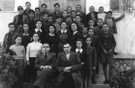 Maria Simos-Levounis. My Story. - Peter school photo, 1945