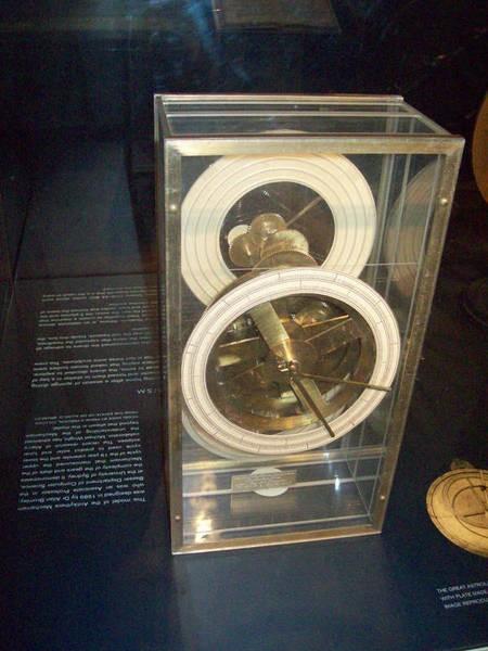 Bromley's model of the Antikythera mechanism on display at the Nicholson Museum, Sydney University. 2009.