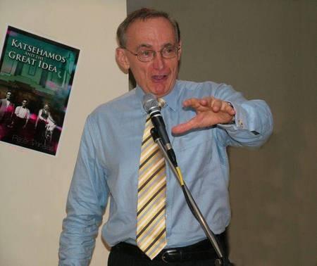 The Honourable Bob Carr launching Peter Prineas' Katsehamos and the Great Idea.