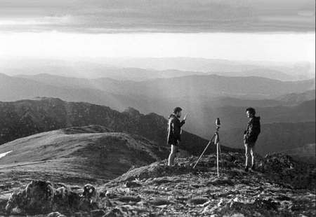 Peter Prineas - Peter Prineas (left) with wilderness photographer Henry Gold, in the Snowy Mountains 1982