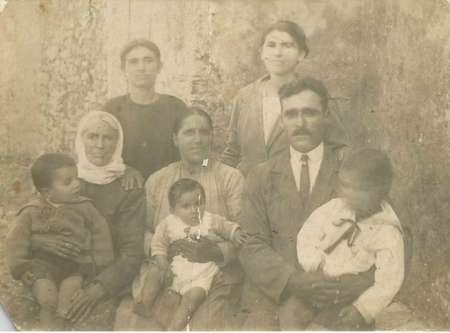 Moulos Family - Logothetianika 1926