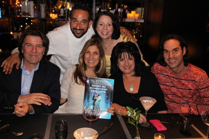 USA East/West Coast Kytherians dine at Theo's Restaurant & Oyster Bar in NY (1)