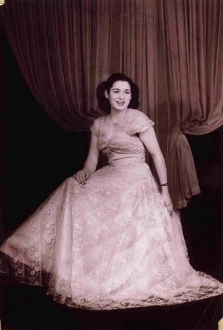 Maria Simos-Levounis. My Story. - Maria aged 17