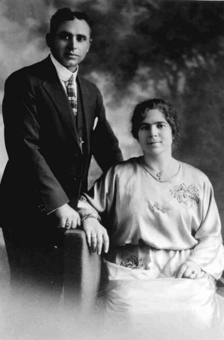 Maria Simos-Levounis. My Story. - George and Katina Levounis