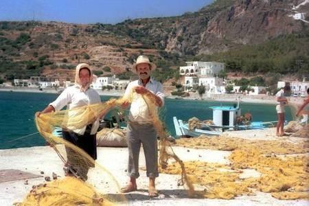 Fishing off Kapsali