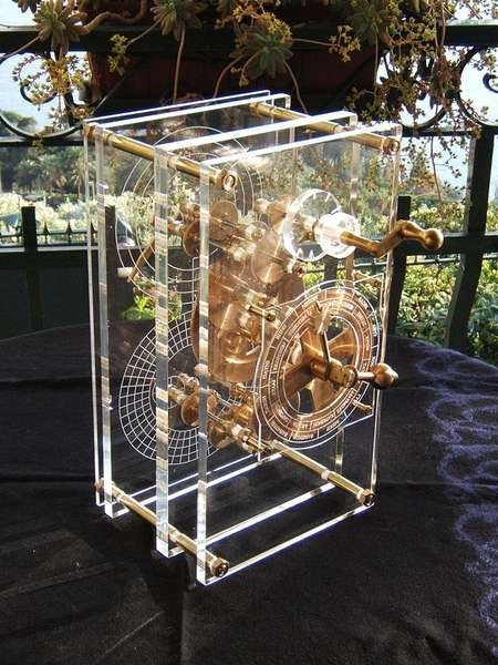 Mogi Vicentini reproduction of the Antikythera mechanism which was made in 2007