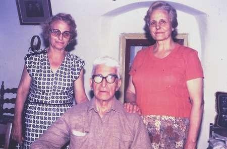 Vasilia Vlandys, Peter & Noula Tambakis - August 1984