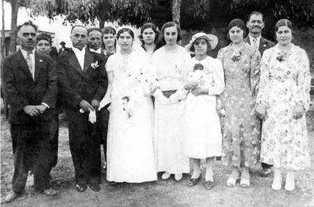 Wedding of Peter Elisseos and Marianthi Psomas in Biloela in 1938.